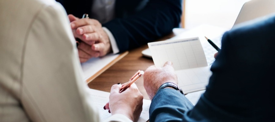 10 Benefits of Working With a Financial Advisor