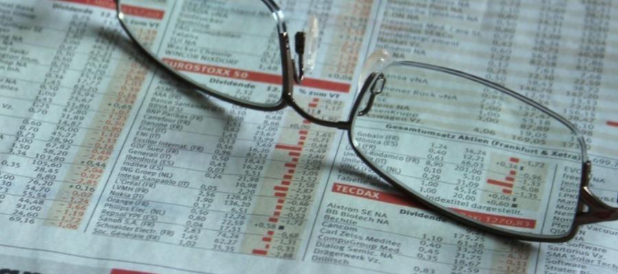 Investment Advice: Financial Advisor Vs. Stockbroker